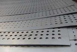 Hastelloy-C-4-Mesh Perforated Mesh