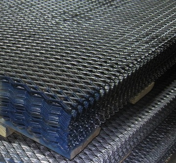 Heavy Duty Expanded Metal for walkways and fencing manufacturer