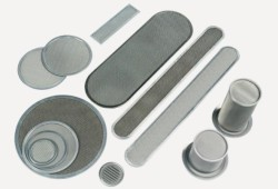 extrusion screen pack filter for chemical filtration